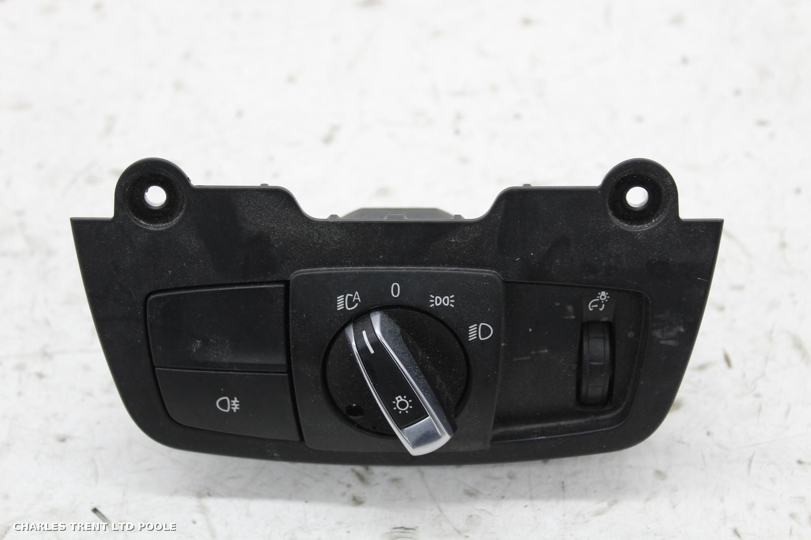 2014 - BMW - I8 - HEADLIGHT / HEADLAMP SWITCHES