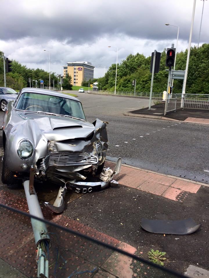 Aston Martin DB5 Crash