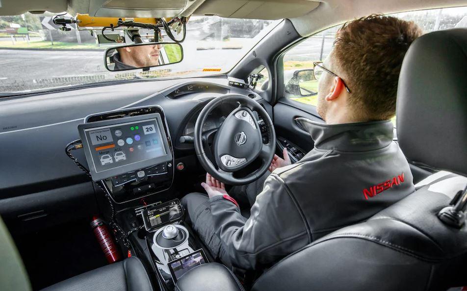 Nissan-Leaf-Autonomous-Vehicle